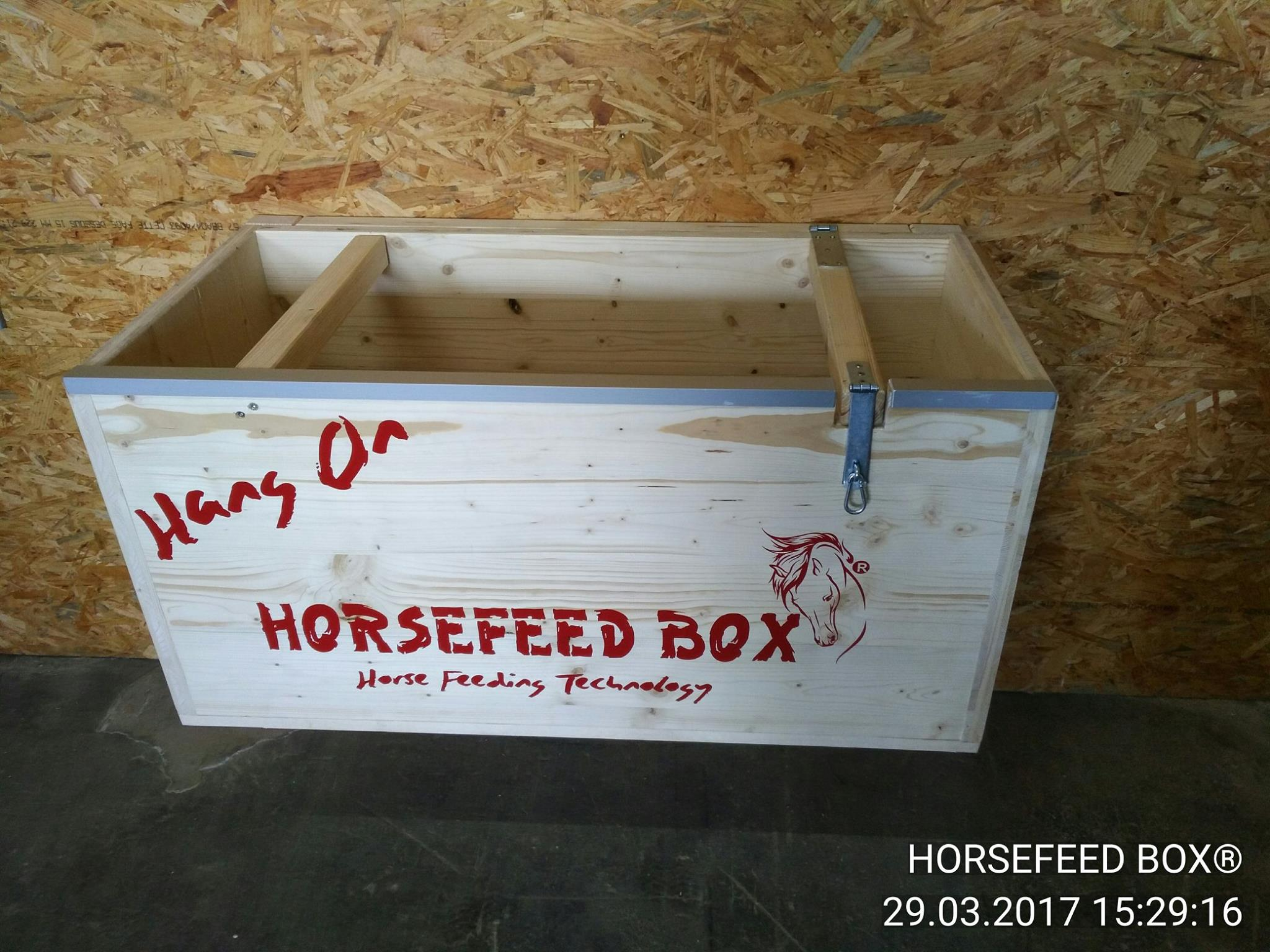 HORSEFEED BOX® - HANG ON CLASSIC SHORT