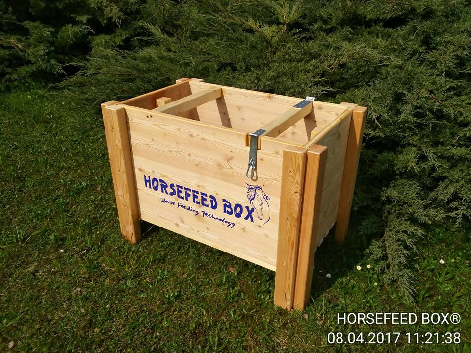 horsefeed box siberian gold larch short futterplatzerl ihr shop f r hochwertiges pferde u. Black Bedroom Furniture Sets. Home Design Ideas