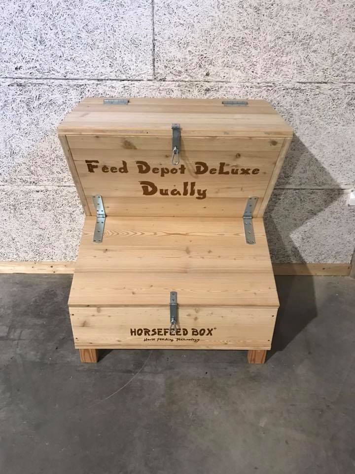 HORSEFEED BOX® Feed Depot DeLuxe Dually