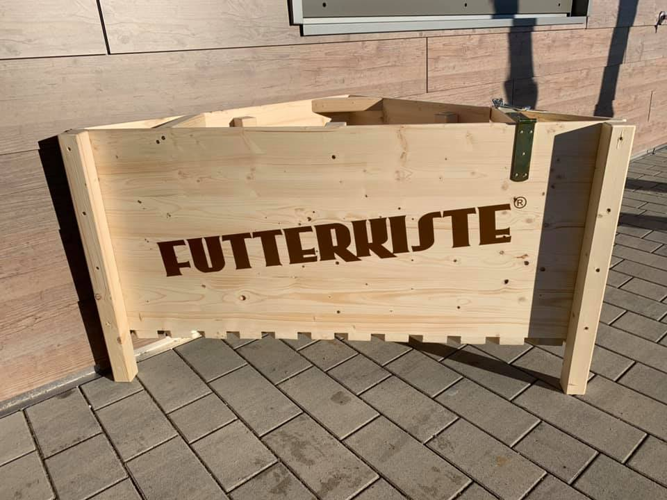 FUTTERKISTE BASIC ECK - Heubox - Heukiste - Slow Feeder