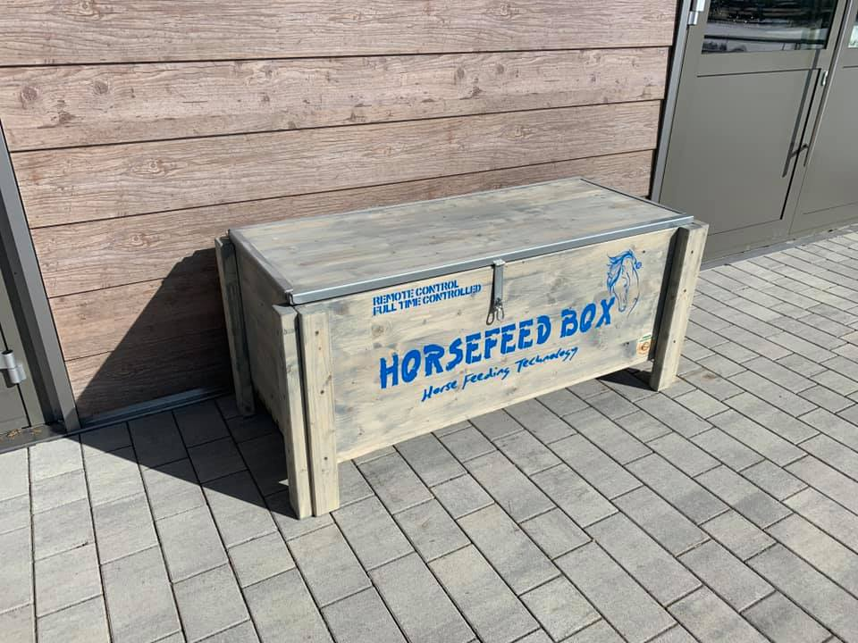 Original HORSEFEED BOX FULL TIME CONTROLLED D.E.E.P. Long