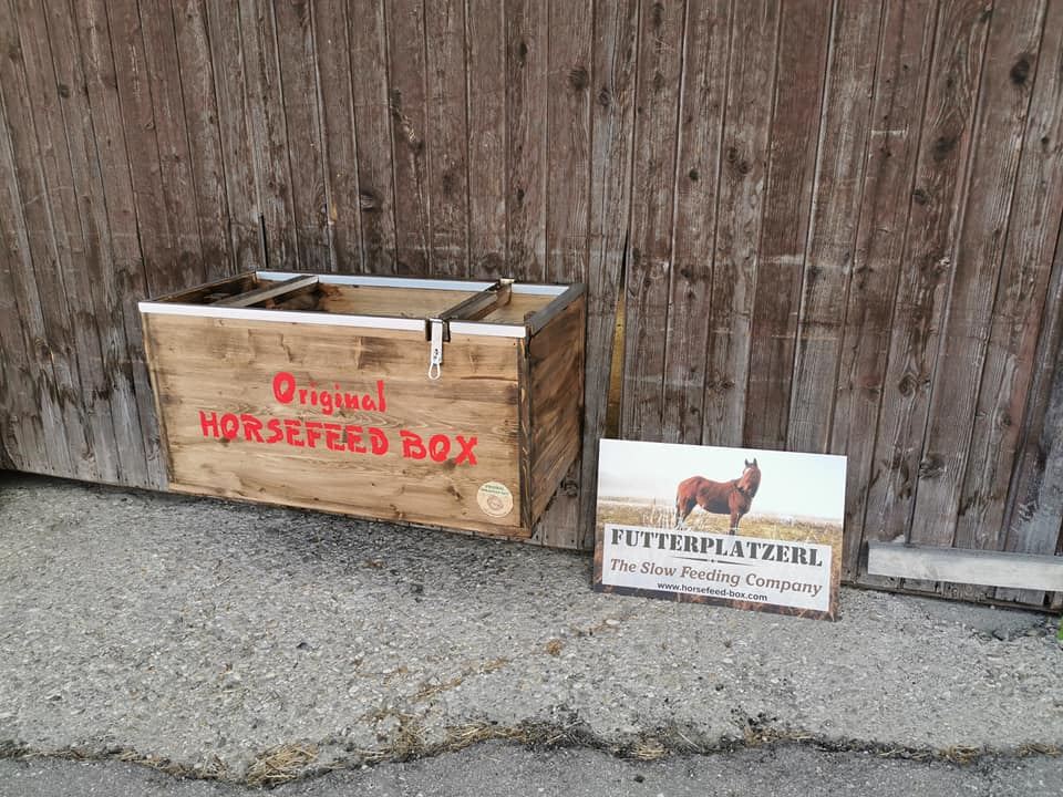 Original HORSEFEED BOX - CLASSIC HANG ON
