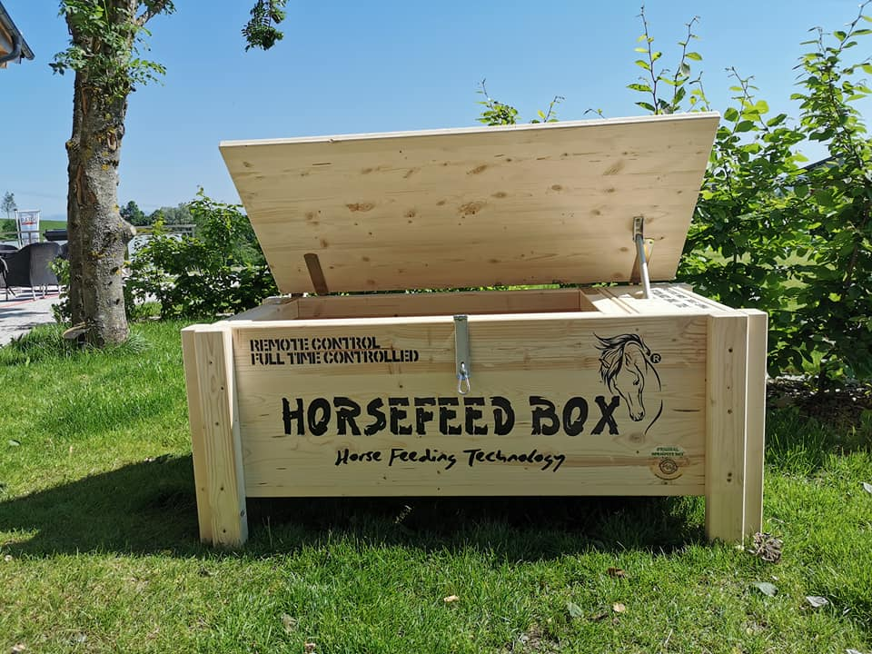 Original HORSEFEED BOX FULL TIME CONTROLLED D.E.E.P. Small Hors