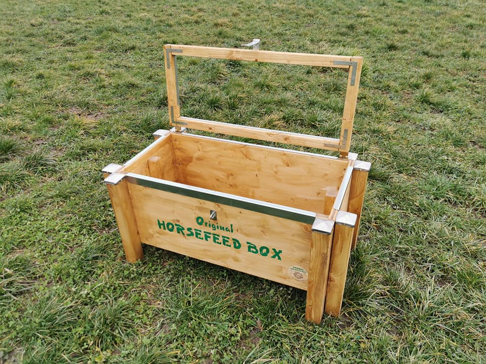 Original HORSEFEED BOX CLASSIC STRONG & ANTIBITE Small Horse