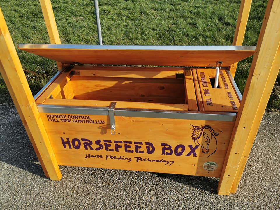HORSEFEED BOX FULL TIME CONTROLLED D.E.E.P. - ROOF